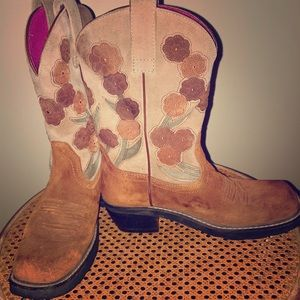 Ariat brown suede flowers cowboy boots size 7